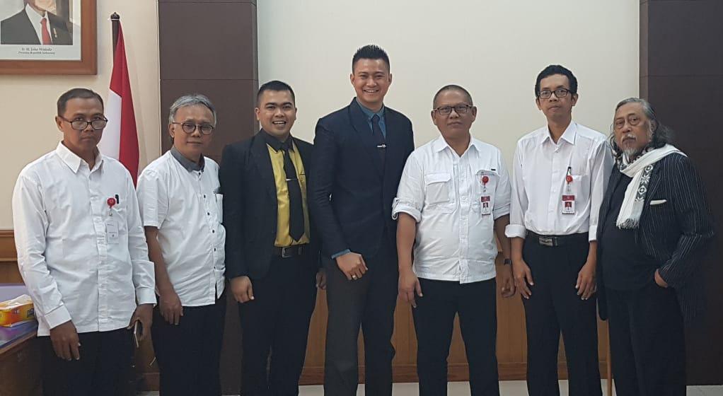Pertemuan Dekan Fakultas Desain Komunikasi Visual UPI YPTK dengan Rektor ISI Surakarta